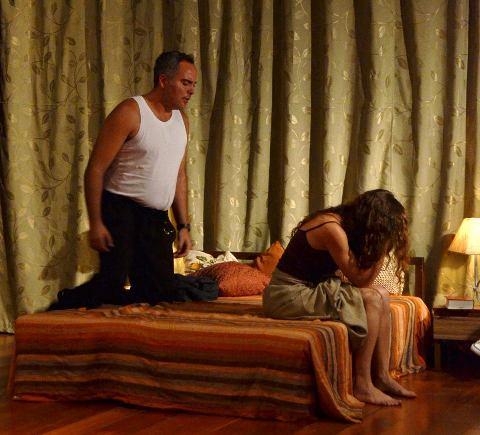 Arrufos. Casal e ex-casal também (rs) Pedro (Saulo Rodrigues e Telma (Ângela Câmara)