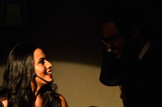 Lúcio Mauro Filho contracena com Letícia Lima disfarçada em meio ao público - Foto: apetecer.com