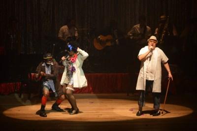 Ruy Barbosa e Oswaldo Cruz também abrilhantaram a noite no Cabaré. Personalidades importantes no início do século XX no clima da revista musical - Foto: apetecer.com