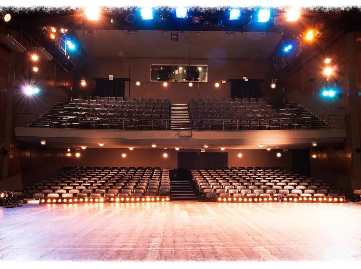 Teatro Miguel Falabella, no NorteShopping, comemora Mês do Teatro com programação e preços especiais